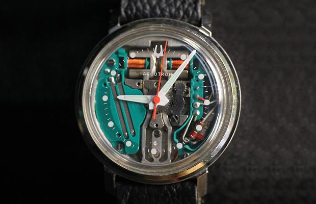 đồng hồ pin