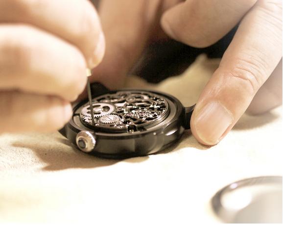 Chế tác đồng hồ Tourbillon Memorigin